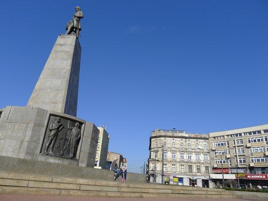 Freedom Square (Plac Wolnosci) : piazza