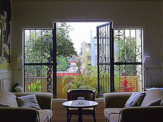 Otoya 1155 Restaurant & Lounge: view from salon