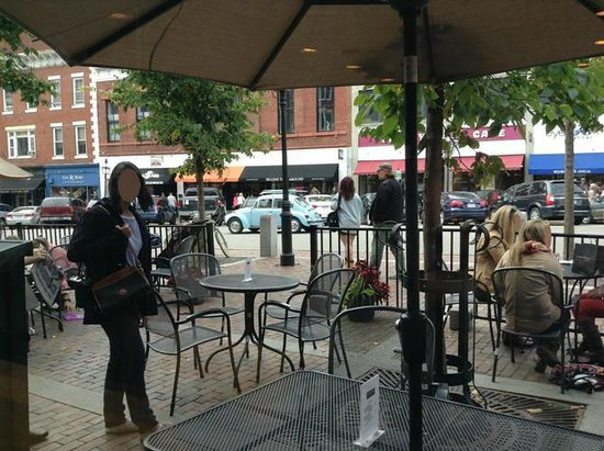 Popovers On The Square: Indoor and outdoor seating