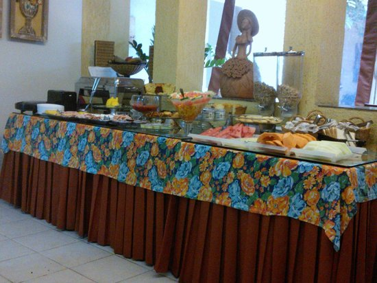 Pousada Villa Boa Vista: Mesa de Café da Manhã