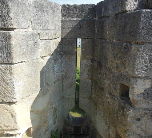 Chateau Ducal: archer window