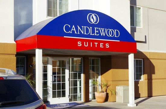 Candlewood Suites Phoenix : Hotel Entrance