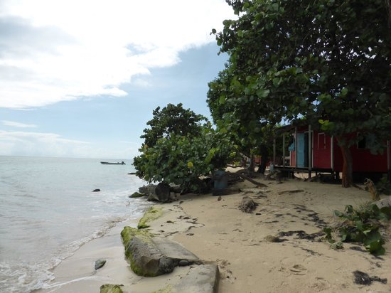 Carlito's Sunrise Paradise: Our little red bungalow at Carlito's