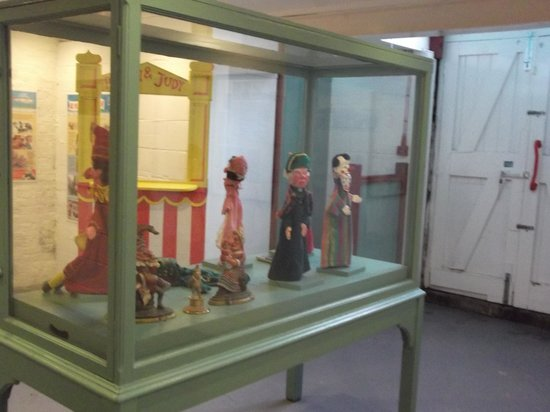 Fishing Museum: Punch and Judy exhibition
