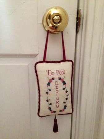 Bayberry Inn of Newport: Do Not Disturb  :-)