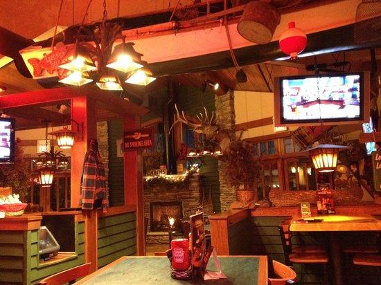 D Michael B's Resort Bar & Grill: Northwoods
