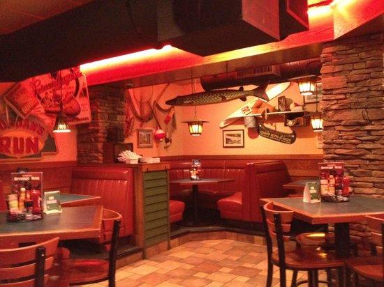D Michael B's Resort Bar & Grill: Lounge