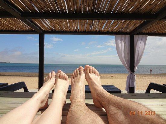 Serena Hotel Punta del Este: Serena hotel. Pezinhos na piscina com vista para o mar.