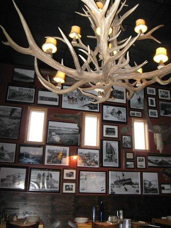 Prospectors Pizzeria & Alehouse: Historic photos, cool chandelier at Prospectors