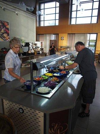 Ruth Daniel Residence: Great variety for breakfast & always fresh.