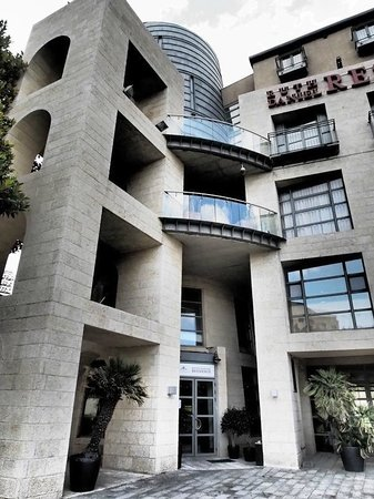 Ruth Daniel Residence : Entrance.