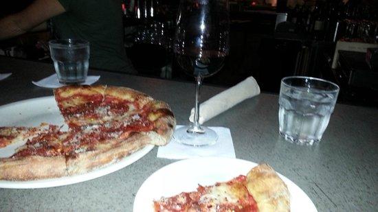 Stella Barra Pizzeria: best pizza ever!