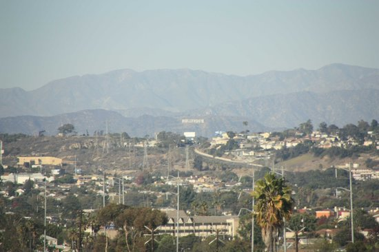 La Quinta Inn & Suites LAX: The Hollywood sign