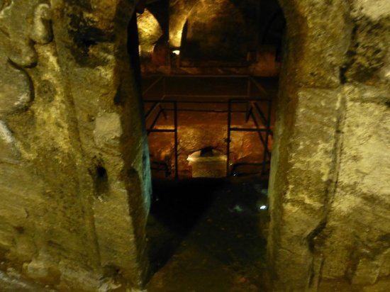 Jajce, Bosnia-Hercegovina: inside the Catacomb