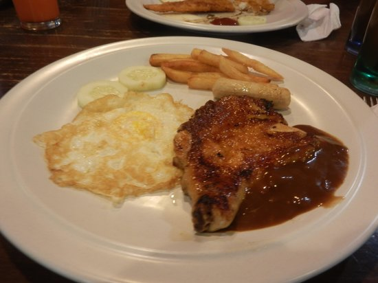 Island One Cafe & Bakery: Grill chicken RM13