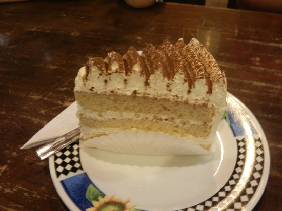 Island One Cafe & Bakery: Cappuccino cake RM5.50