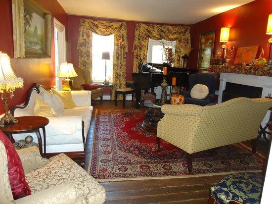 Prospect Hill Plantation Inn : Sitting room