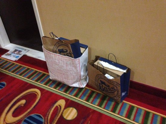 Portland Marriott at Sable Oaks: Freeport shopping bags left in hall