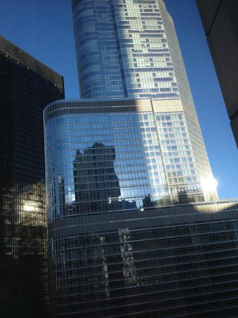 Club Quarters Hotel, Wacker at Michigan : Tall building outside our room