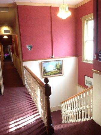Victoria Railway Hotel: stairwell