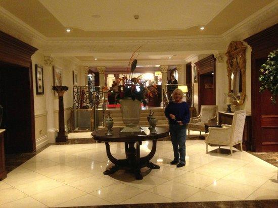 Muckross Park Hotel & Spa: Lobby area