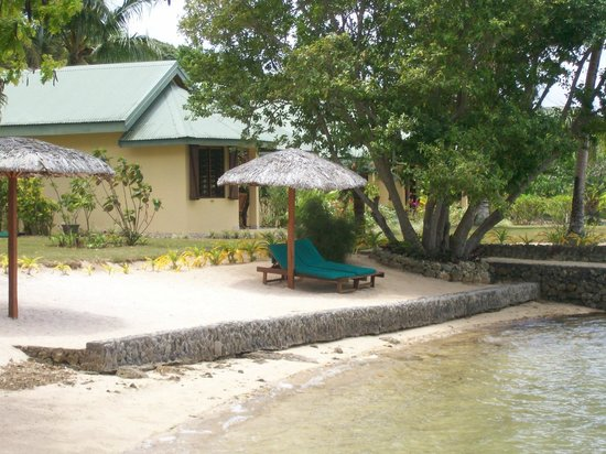 Poppy's on the Lagoon: Spa bungalow from the lagoon
