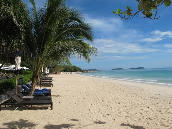 Vana Belle, A Luxury Collection Resort, Koh Samui: Chaweng Noi from the Hotel