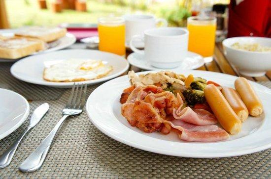 The Mangrove Panwa Phuket Resort : Breakfast