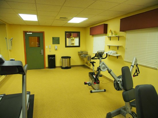 Country Inn & Suites By Carlson, Dothan: Fitness room