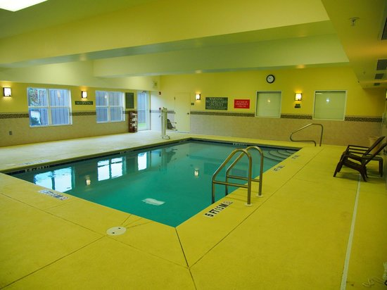 Country Inn & Suites By Carlson, Dothan: Swimming pool