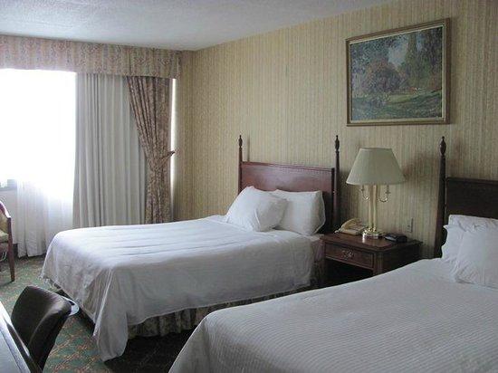 Travelodge Hotel Niagara Falls Fallsview: 2 comfy beds