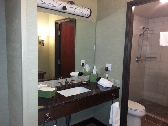 Clearwater Casino Resort: Bathroom