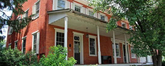 Musser's Historic Country Suites: Front of house