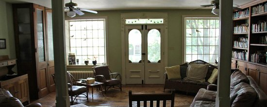 New Providence, PA: Common sitting room