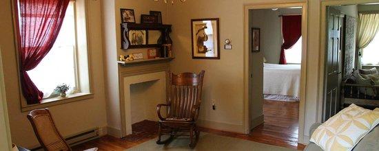 New Providence, PA: Living room