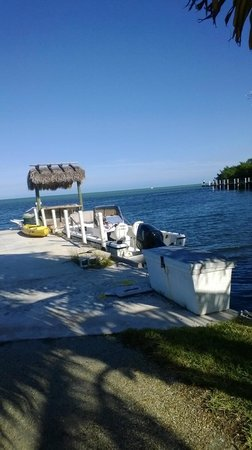 Gulf View Waterfront Resort : Run down dock area