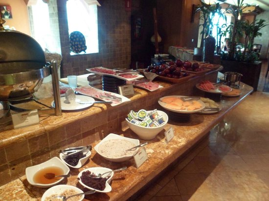 Grand Tikal Futura Hotel: Buffet
