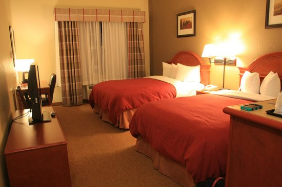 Country Inn & Suites By Carlson, Stone Mountain: Our room, number 107, ground floor