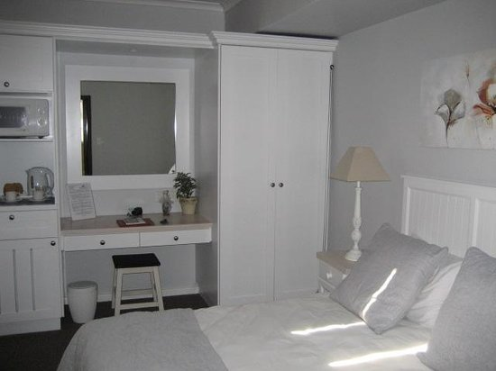 Beachwalk Bed and Breakfast : En suite bedroom