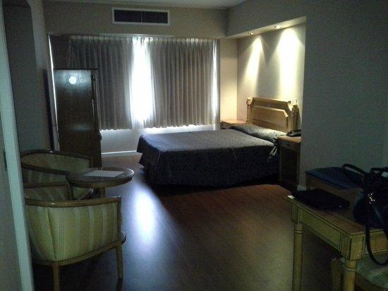 America Plaza Hotel: amplias habitaciones
