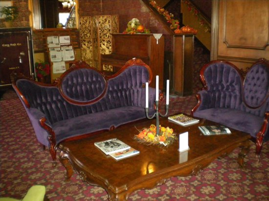 Mizpah Hotel: Sitting room