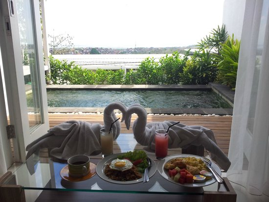 Paradise Loft Villas Jimbaran : nice place for enjoy breakfast