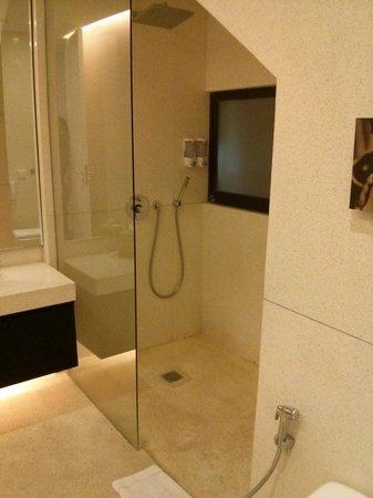 Taum Resort Bali: Shower