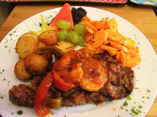 Villa Nina Bistro: Steak St. Kit's  A Island Treat