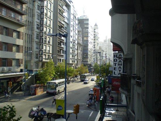 Hotel Aramaya: Vista desde habitación sobre 18 de Julio