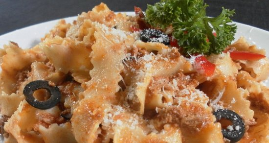 L'oasi Italiana: pappardelle with duck