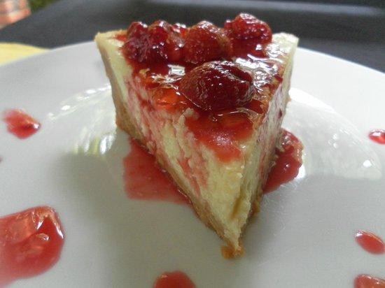 L'oasi Italiana: cheese cake with berries