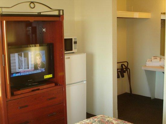 Winslow Inn: Closeup of TV and Fridge and Microwaive 2