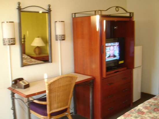 Winslow Inn: Other furniture in Double Queen Room