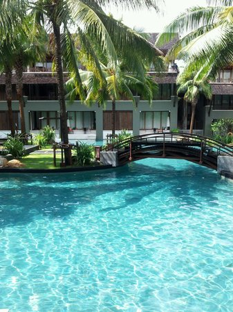 Mai Samui Resort & Spa: Straight into the pool from our room